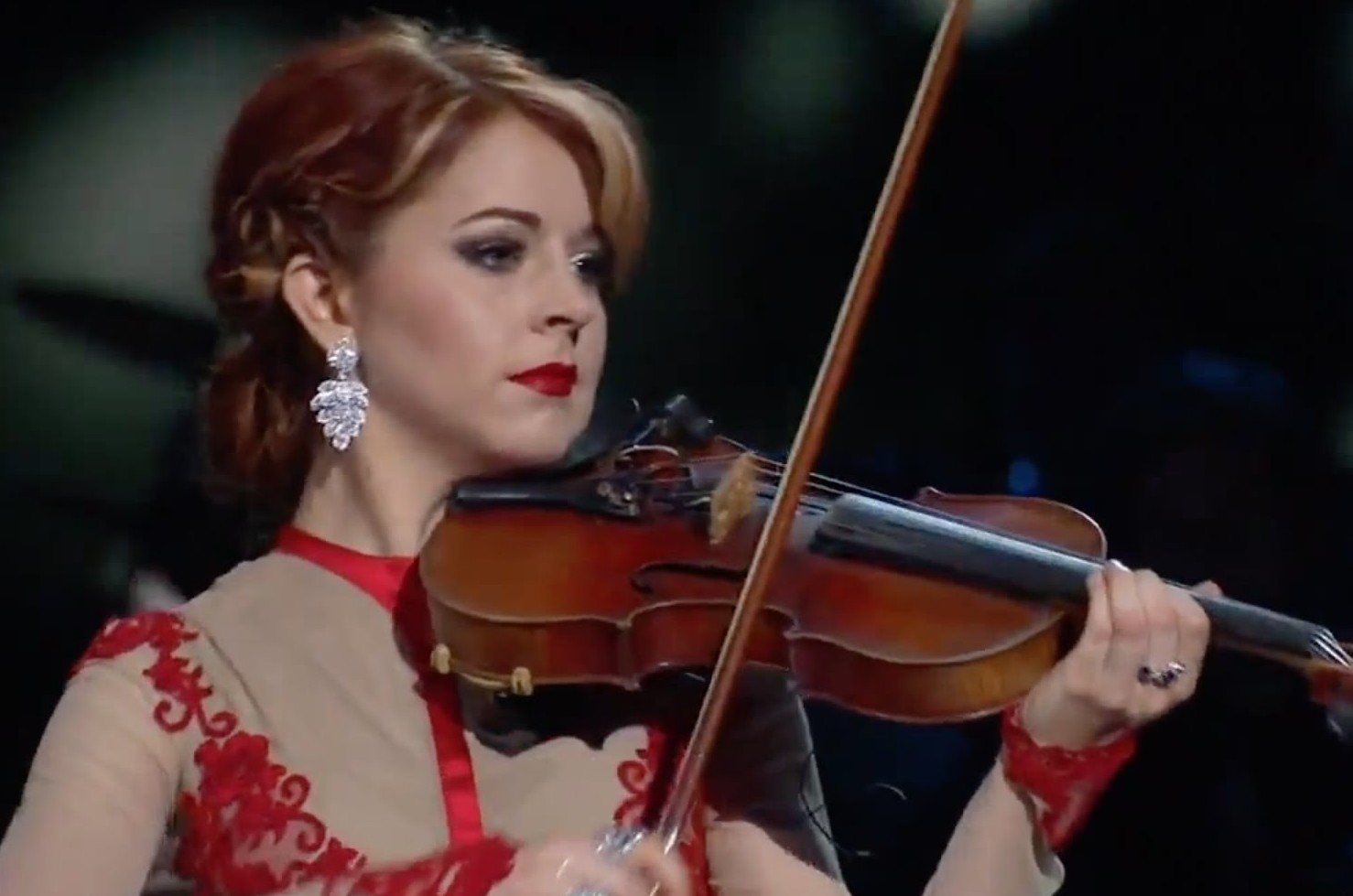 Lindsey Stirlings Christmas Performance